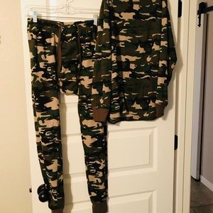 Other - Camo thermals